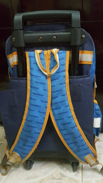 Used School bag big 3 zips in Dubai, UAE