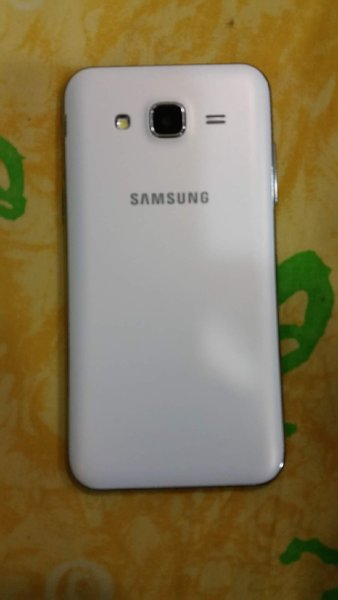 Used Samsung J5 with accessories: BUY NOW !!! in Dubai, UAE
