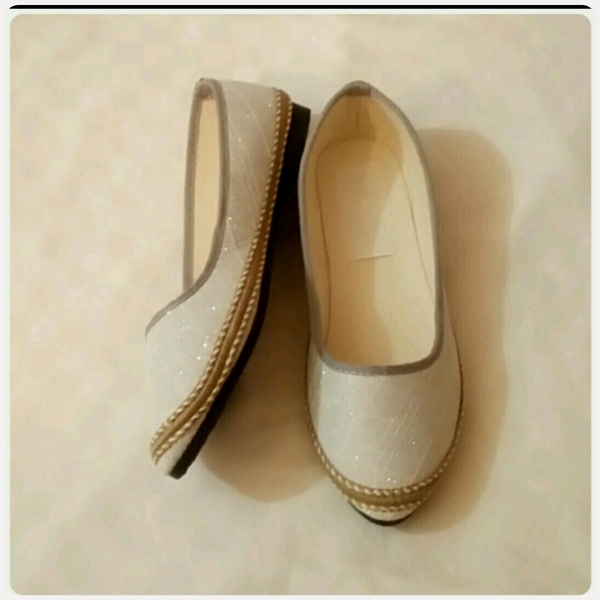 Used Casual flat Shoes size-39 New in Dubai, UAE