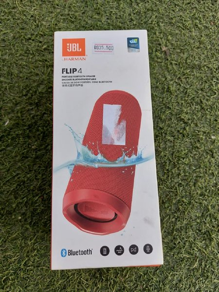 Used Jbl Flip 4 Bluetooth connected speakers in Dubai, UAE