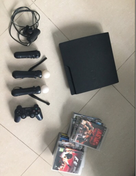 Used PS3 with 4 controllers, camera and 11 ga in Dubai, UAE