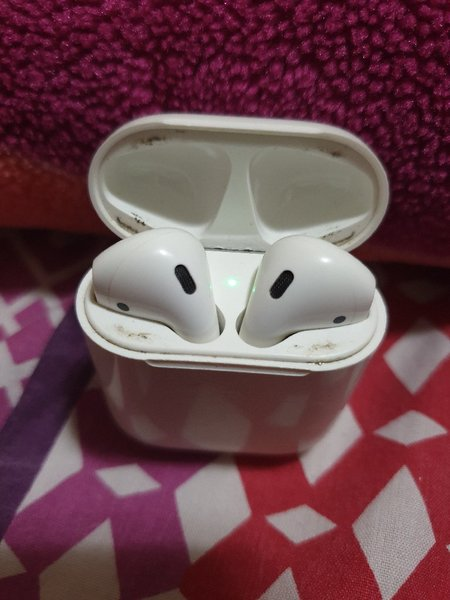 Used Apple Ear Pods in Dubai, UAE