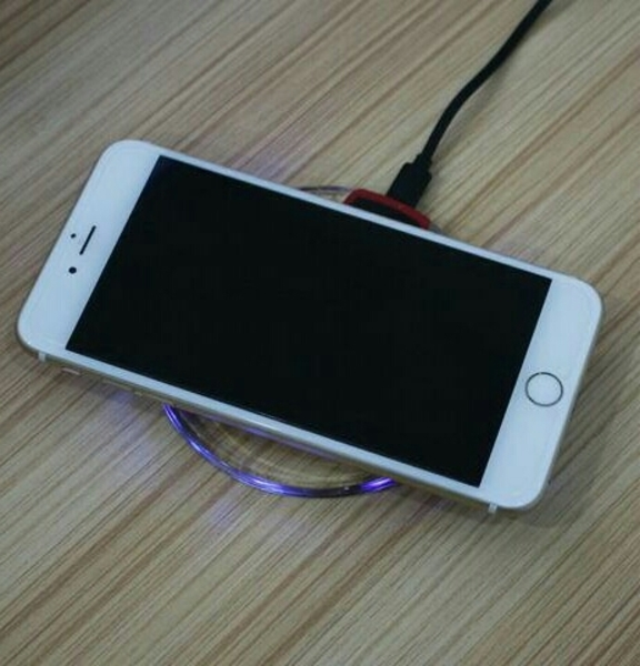 Used wireles charger for all iphones  in Dubai, UAE