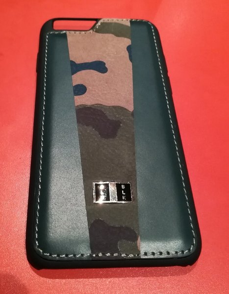 Used Geniun Leather iPhone 6/6s Army pattern in Dubai, UAE