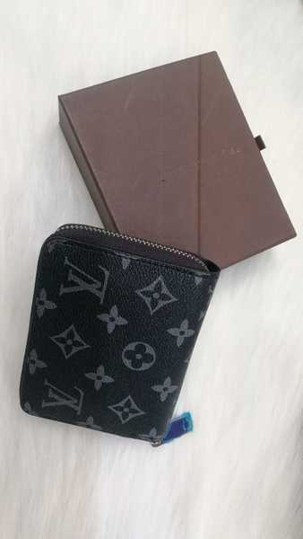 Used New small ladies lv wallet class A plus in Dubai, UAE