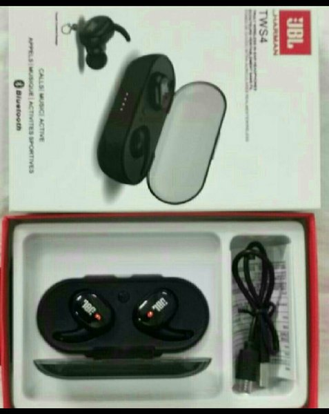 Used Jbl box pack with high bass earbuds in Dubai, UAE