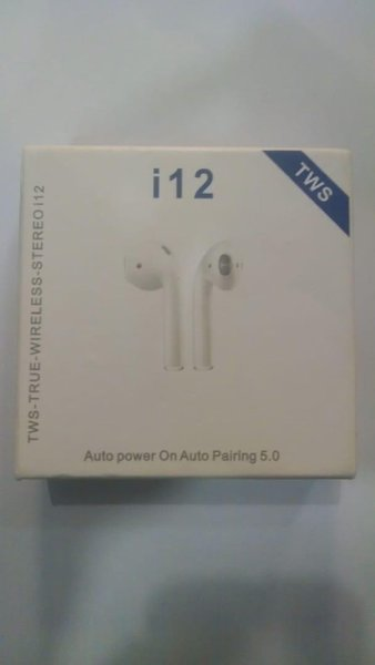 Used Box pack airpods i12 new box pck in Dubai, UAE