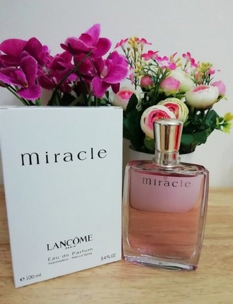 Used Lancome miracle perfume for women in Dubai, UAE
