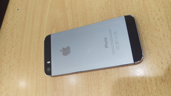 Used IPhone 5s 16 GB with Face Time  in Dubai, UAE