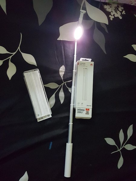 Used Huawei selfie stick with LED LIGHT in Dubai, UAE