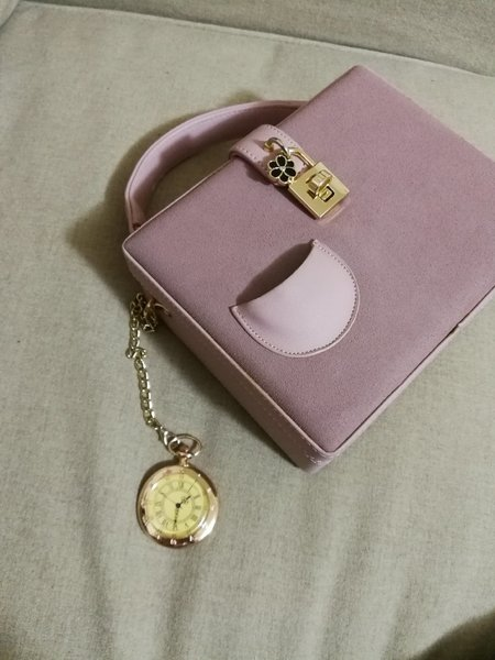 Used Beautiful pink ladies bag in Dubai, UAE