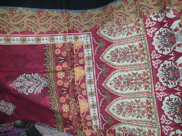 Used Branded Unstitched lawn suit 3pc in Dubai, UAE