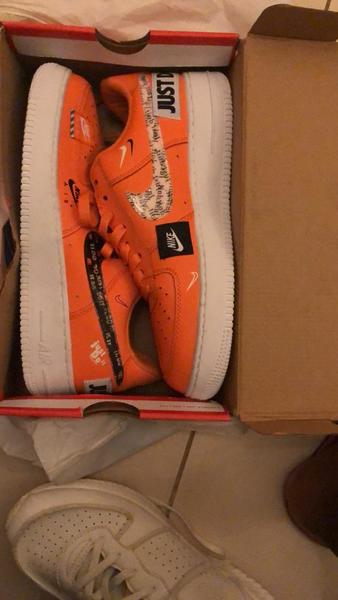 Used Nike shoe, new orange colour in Dubai, UAE