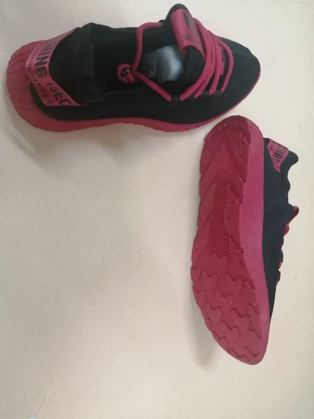 Used Sport Shoes High Quality Running shoe 40 in Dubai, UAE