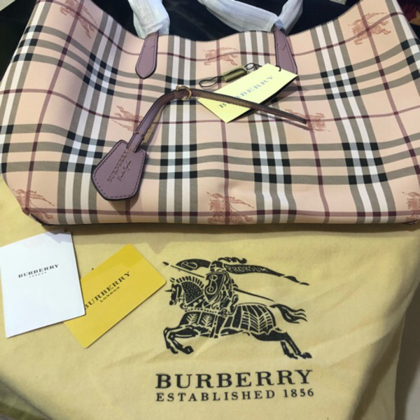 Used Authentic Burberry reversible bag in Dubai, UAE