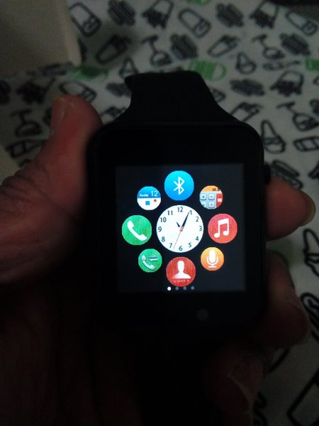 Used Smart Watch Looks like Apple watch in Dubai, UAE