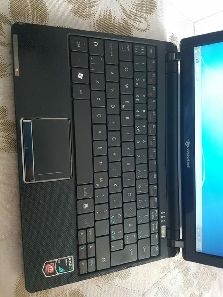 Used Low price Laptop Packard Bell 280 AED in Dubai, UAE