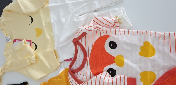 Used Baby rompers,jumpers and accessories set in Dubai, UAE
