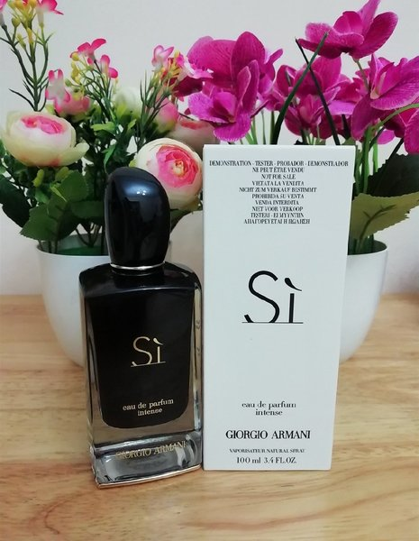 Used Armani si Intense for women in Dubai, UAE