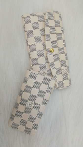 Used New ladies wallet lv class A in Dubai, UAE