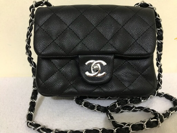Used Chanel mini flap in Dubai, UAE
