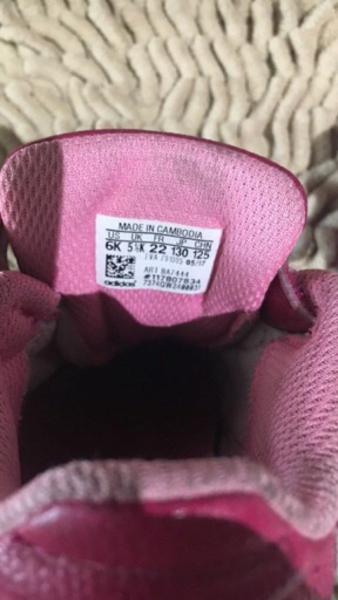 Used adidas shoe for girls Look like new in Dubai, UAE