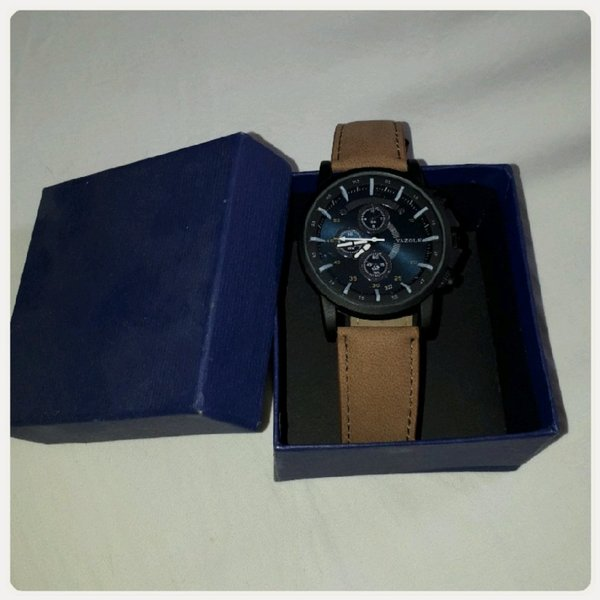 Used Watch brown color for man New in Dubai, UAE