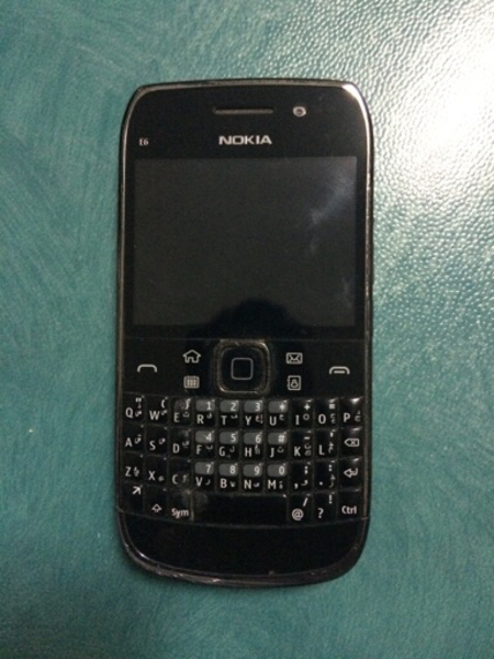Used Nokia E-6 used in Dubai, UAE