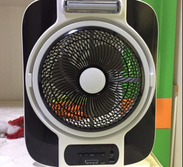 Used Rechargeable fan with light and USB in Dubai, UAE