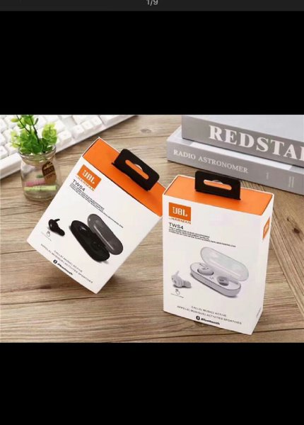 Used Android smart watch with jbl airpods in Dubai, UAE