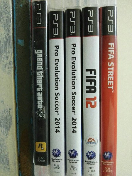 Used PS3 game bundle for 120 in Dubai, UAE