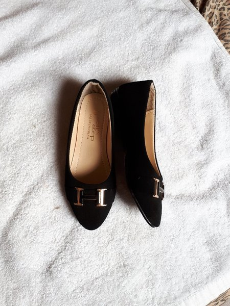 Used Flat shoes letter H size-36 in Dubai, UAE