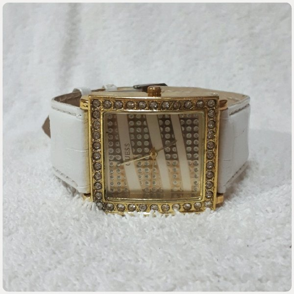 Used Golden White GUESS watch for lady in Dubai, UAE