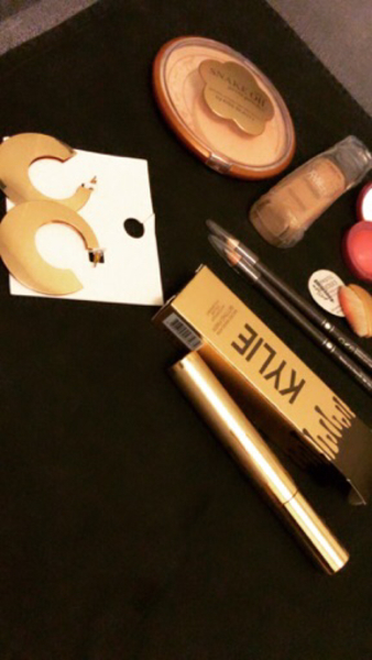 Used Special set of make up in Dubai, UAE