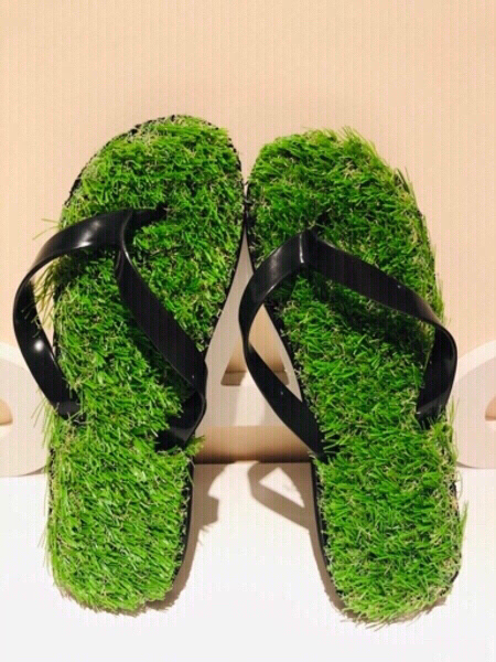 Used Grass flip flop size 42/43 260/265 cm in Dubai, UAE