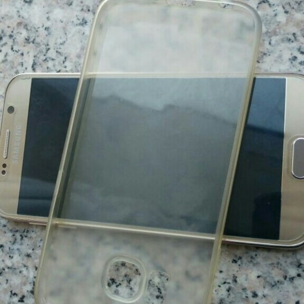 Used SAMSUNG S6 WITH CHARGER  in Dubai, UAE