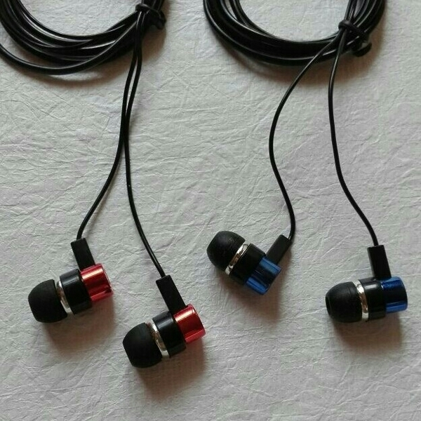 Used 2 Earphone Headset with Earbud BRAND NEW in Dubai, UAE