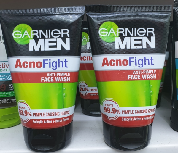 Used Garnier men anti pimple face wash in Dubai, UAE