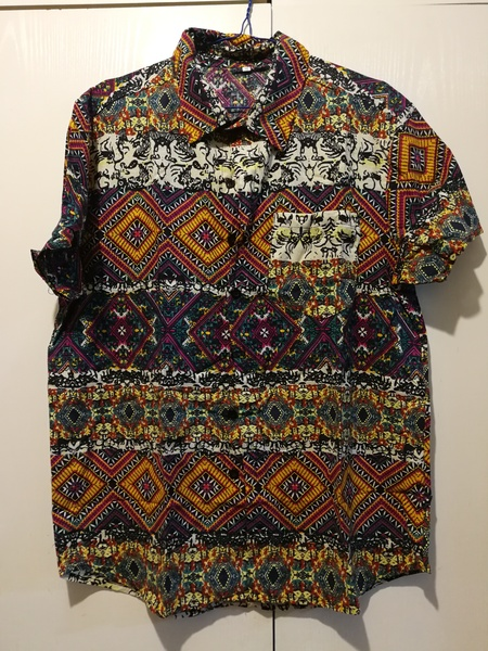 Used New casual colorful shirt for him size M in Dubai, UAE