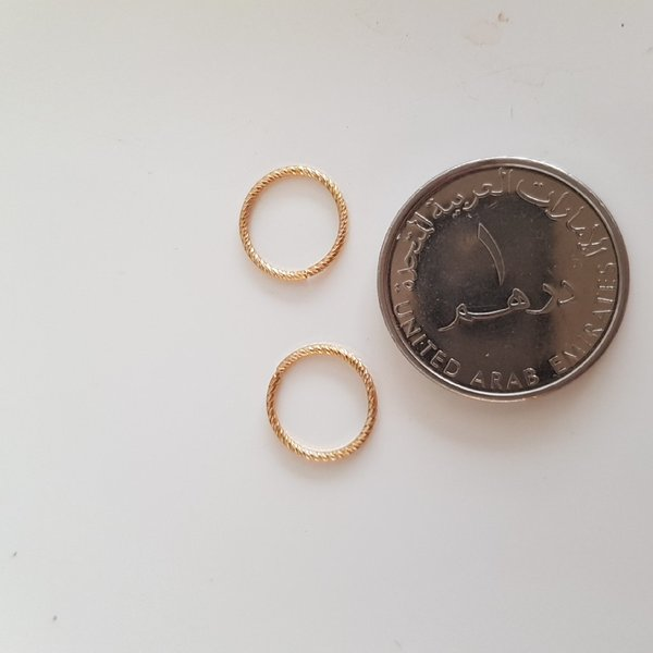 Used New real gold earrings in Dubai, UAE