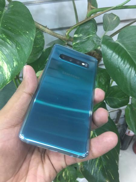 Used Samsung Galaxy s10 plus in Dubai, UAE