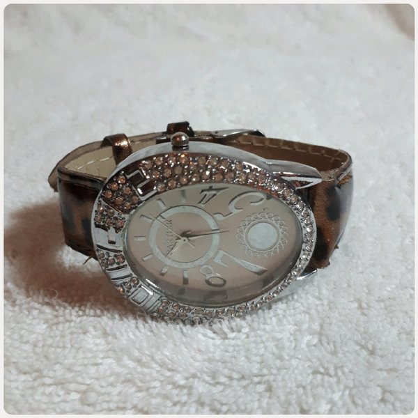 Used CARTIER watch for lady .. in Dubai, UAE