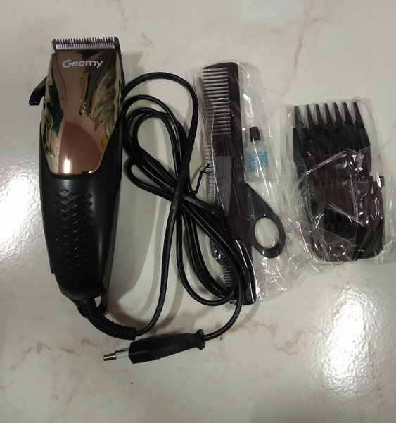 Used Hair clipper wired in Dubai, UAE