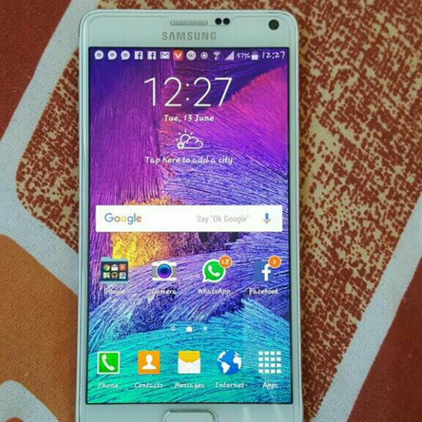 Used Samsung Galaxy Note 4 #only Charger# Mobile 10/10condition in Dubai, UAE