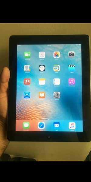 Used iPad 2 wifi 16GB in Dubai, UAE
