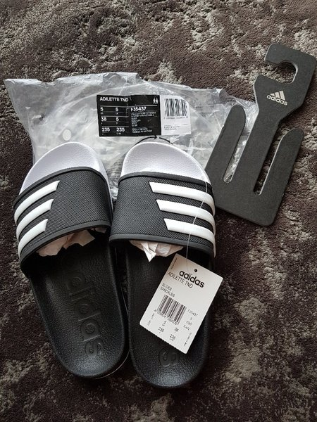 Used Adidas adilette for women in Dubai, UAE