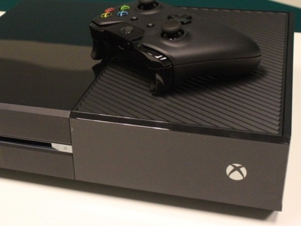 Used Xbox one with 1 controller and 4 games in Dubai, UAE