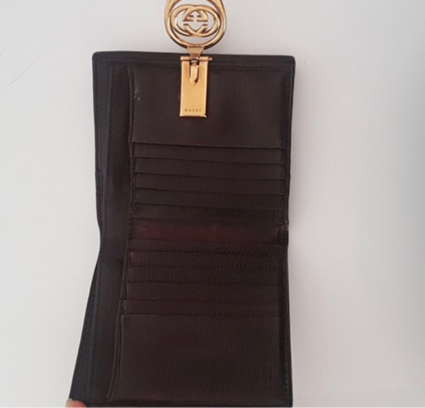 Used Gucci wallet excellent condition au  in Dubai, UAE