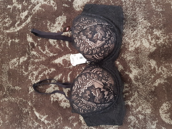 Used Lasenza push up 34b in Dubai, UAE