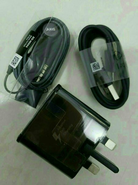 Used SAmsung Fast Charger and AKGz handfree in Dubai, UAE
